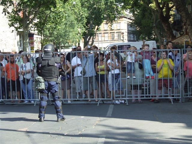 Gaypride_Budapest_protective_fence